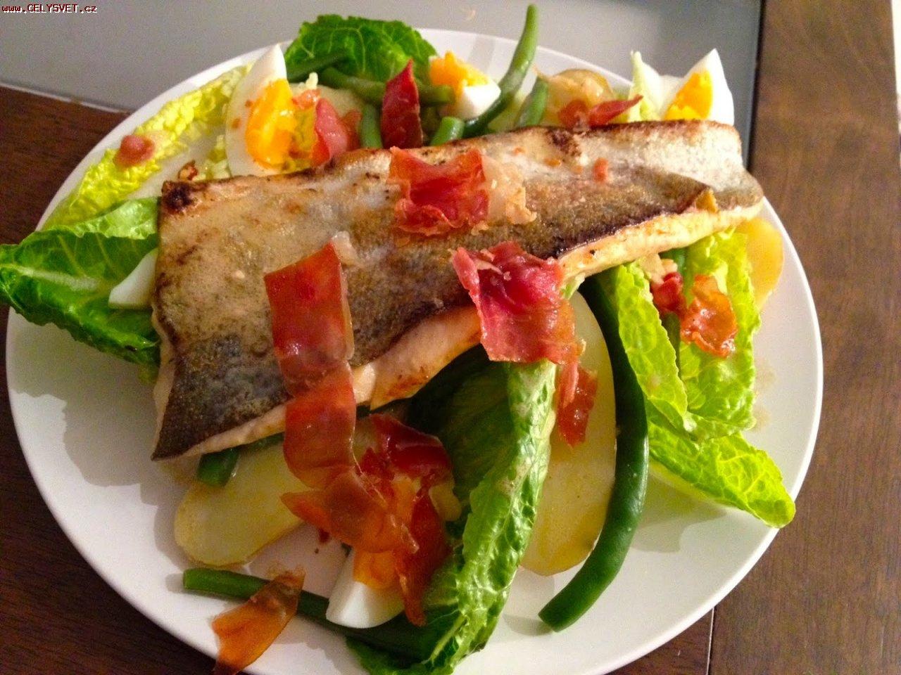рецепты салатов с колбасой и ветчиной с фото